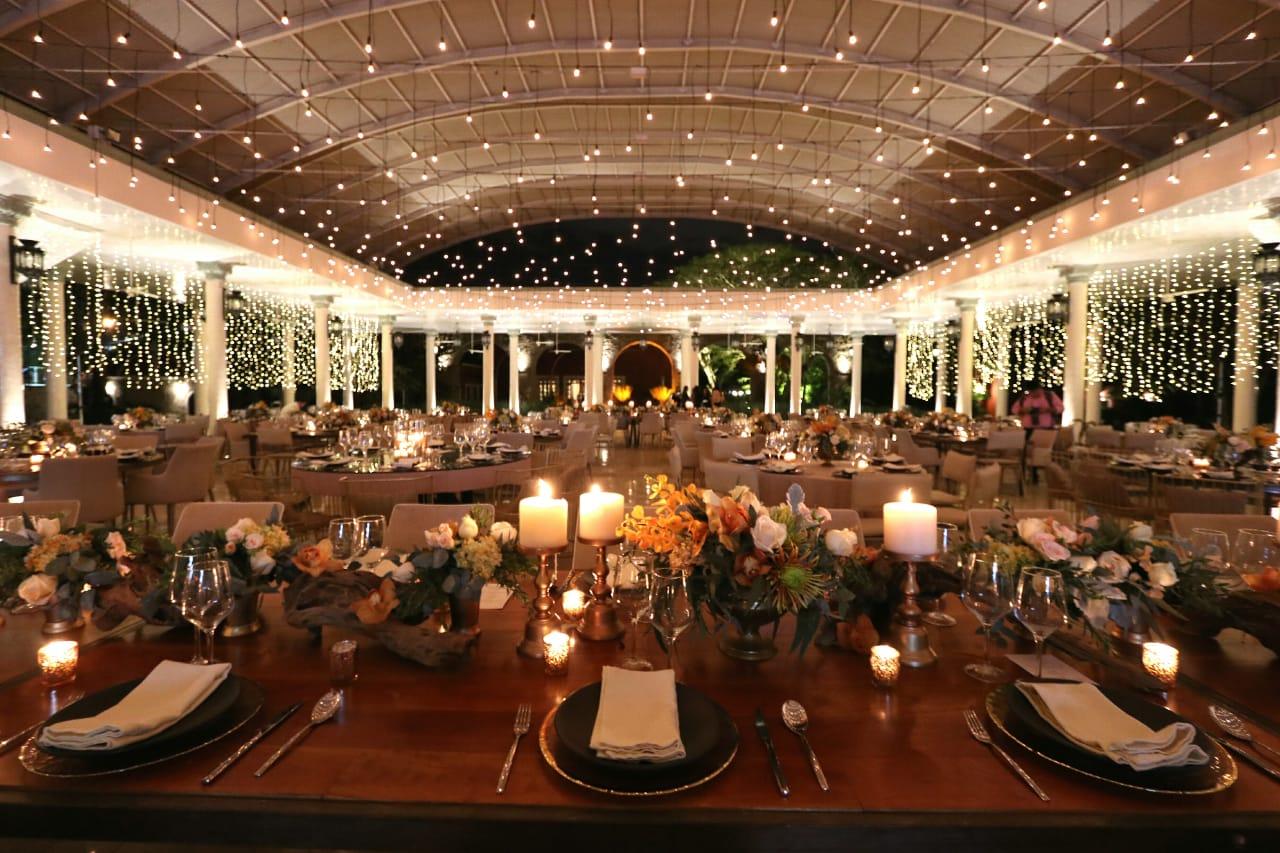 magia con la iluminación en tu boda