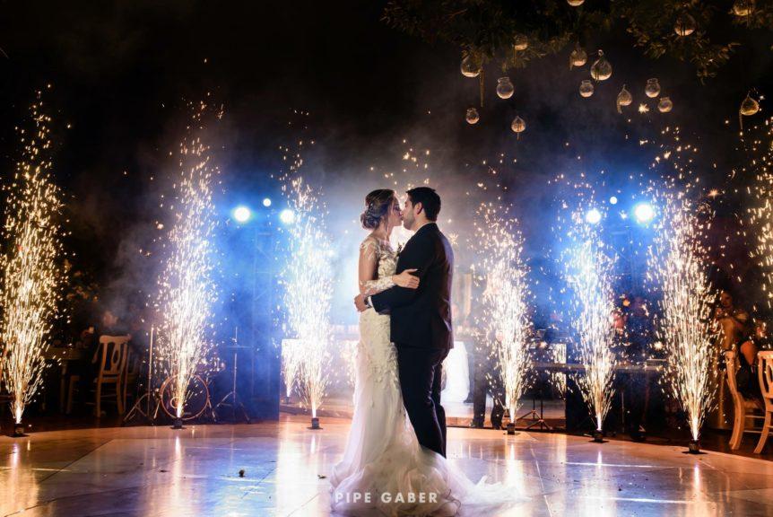 Crea escenarios mágicos con la iluminación en tu boda